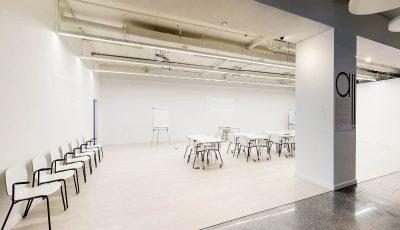 Бізнес-школа CAPSchool 3D Model